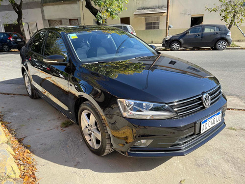 Volkswagen Vento 2017 1.4 Comfortline 150cv