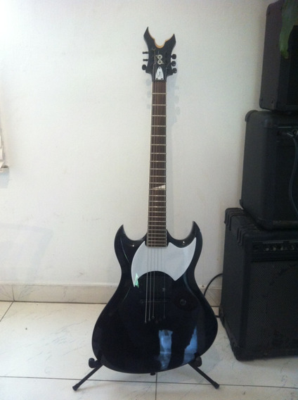 Guitarra Electrica Peavey Tomb