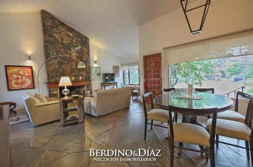 Casa - Playa Mansa 3 Dormitorios. Oportunidad- Ref: 667
