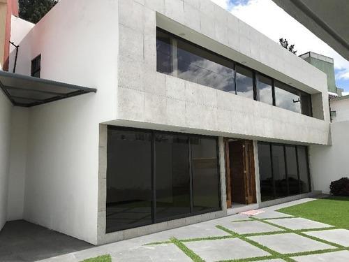 Casa En Venta En 2ª Sección En El Club De Golf San Carlos, Metepec/ Estado De México.