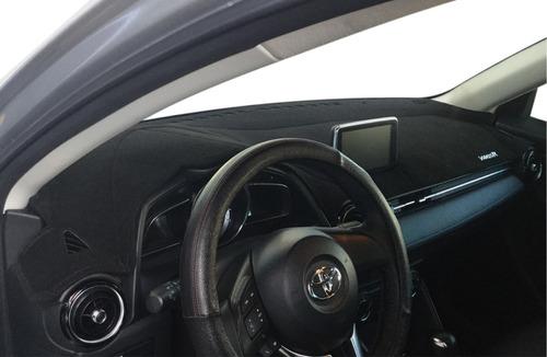Imagen 1 de 6 de Cubretablero Toyota Yaris R 2016/2018 + Cubreposapie