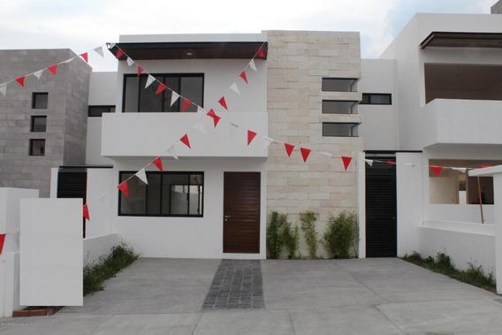 Casa En Venta En El Refugio, Queretaro, Rah-mx-20-649