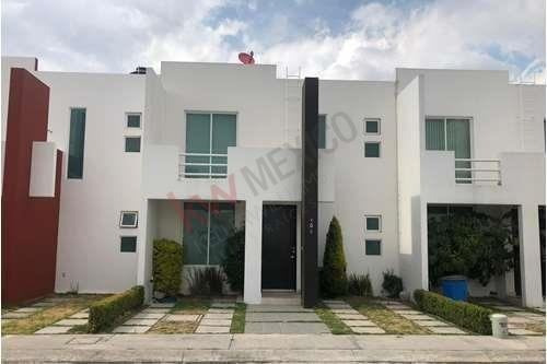Residencia En Venta $1,550,000 En Fracc. Privado Oyamel I, Colonia Issste, Pachuca, Hidalgo.