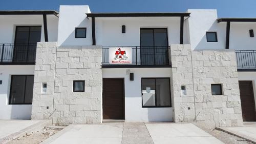 Casa En Renta En El Refugio, Queretaro, Rah-mx-19-546