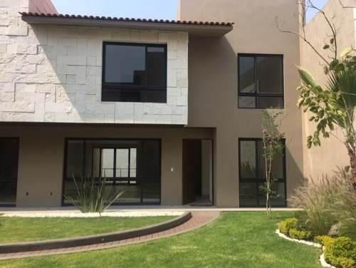 Casa Nueva En Condominio 3 Recamaras 3.5 Baños 3 O 4 Autos.