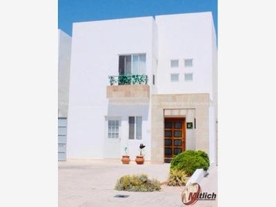 Casa Sola En Renta Renta Amueblada Y Equipada Zona Valle Escondido $14,800 Mensuales.