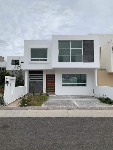 Bonita Casa Venta Fraccionamiento Mirador Queretaro Centrica Amplia