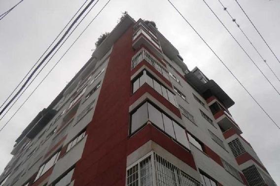 Apartamento En Venta Urb. Los Palos Grandes #20-10176