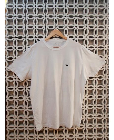 Camiseta Branca Estampa Coqueiros Costas
