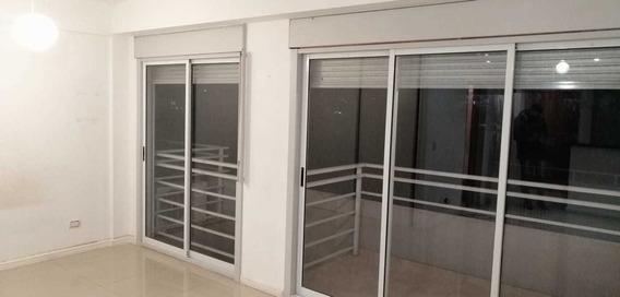 Monoambiente Divisible 39m Al Frente Con Balcon Colegiales