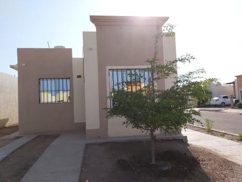Se Renta Casa En Fracc. Finca Real, Col. Pueblo Viejo