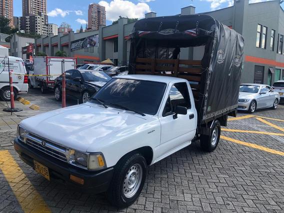 Toyota Hilux Estaca Gasolina