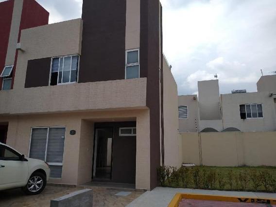 Casa En Renta En Las Americas Iii, Ecatepec, Frente A La Plaza