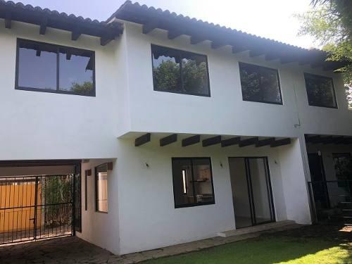 Casa En Valle De Bravo, Excelente Ubicación