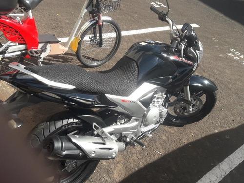 Imagem 1 de 5 de Yamaha 2013