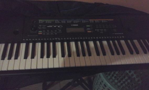 Es Un Piano Marca Yamaha Pa-130