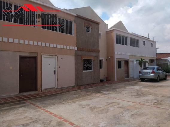 Townhouse Venta Delicias Norte Maracaibo Api 5108 Lb