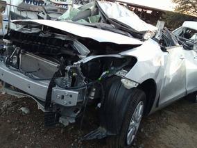 Toyota 2015 Yaris Venta De Refacciones X Partes