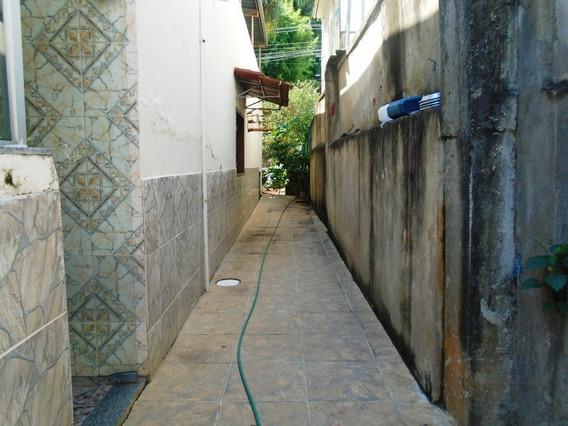 Casa Com 3 Quartos Para Comprar No Santo Antônio Ii Em Ponte Nova/mg - 4331