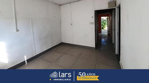 Casa En Alquiler / Piedras Blancas - Inmobiliaria Lars