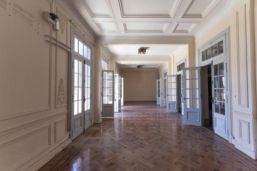 Espectacular Apartamento De Estilo De 400 M2, Av. 18 De Julio Frente A Plaza Del Entrevero