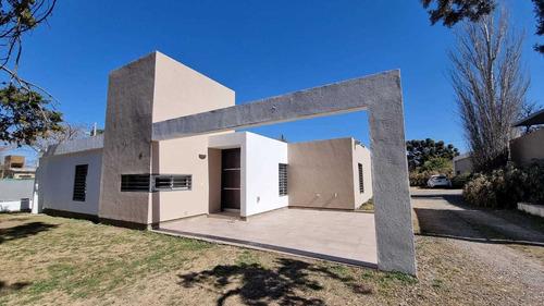 Imagen 1 de 14 de Casa En Altos De Rivera