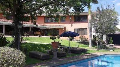 Residencia Con Alberca, Gimnasio, En Lomas Del Valle, Zapopan