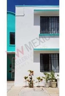 Casa Amueblada En Renta A Un 1.5 Kilómetros De La Playa En Fraccionamiento Balam Tun , Playa Del Carmen