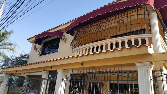 Alquiló Casa De 400 Mt San Isidro