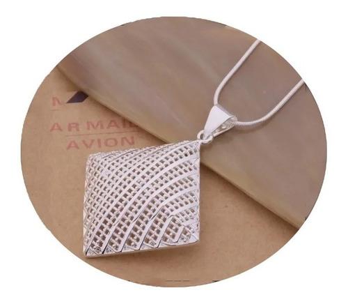 Imagen 1 de 4 de Collar Elegante De Cuadro Laminado En Plata Calidad Europea