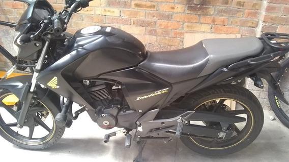 Honda 150 Invicta 2013