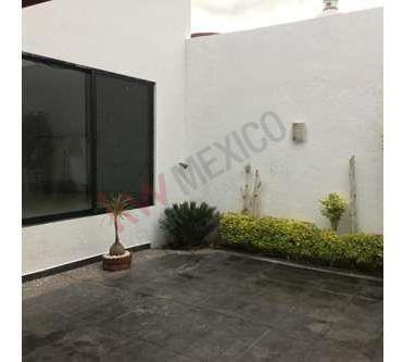 Amplia Casa En Milenio Iii Con 3 Recamaras A 10 Minutos Del Centro De Querétaro