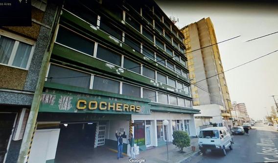 Dueño Directo Vende Cochera En Edificio Ancla..