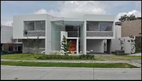 Hermosa Casa En Venta O Renta En El Fraccionamiento El Cielo Dentro Del Palomar