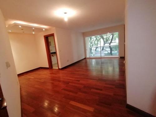 Venta 3 Dormitorios Y Garaje En Punta Carretas