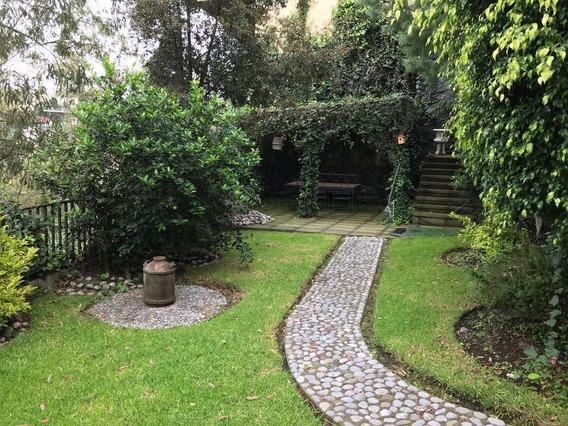 Bonita Residencia En Una De Las Mejores Calles De Bosques De Las Lomas!!