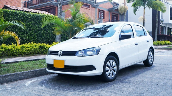 Volkswagen Gol Blanco Vw Como Nuevo Camara Gps Planta Y Bajo