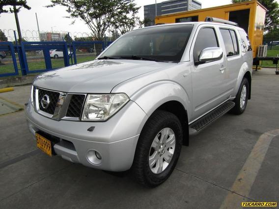 Nissan Pathfinder Le Súper Lujo