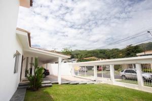 Casa En Venta Guataparo Valencia 20-1348 Dam