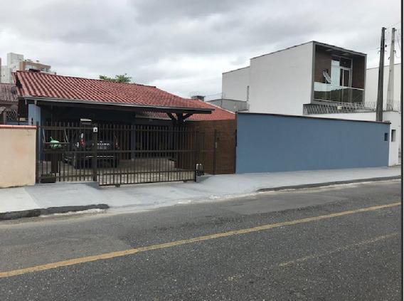 Casa No Saguaçú Com 2 Quartos Para Locação, 130 M² - La481