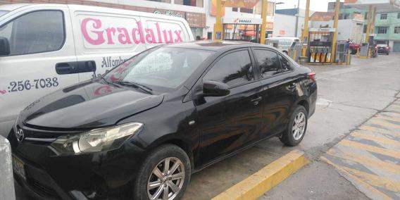 Toyota Yaris Gll 1.3 Mt