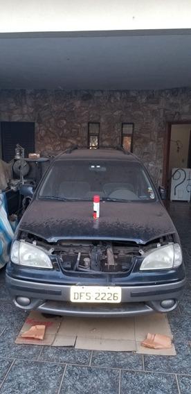 Kia Motors Carens 2001