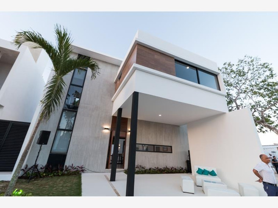 Casa En Venta En Playa Del Carmen Centro