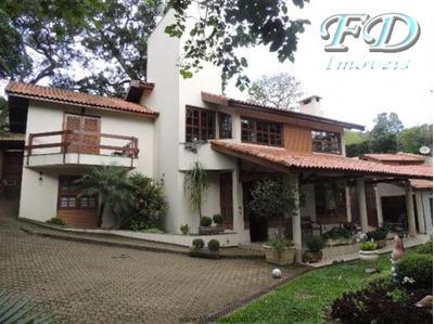 Linda Casa Em Mairiporã Dentro De Condomínio Fechado!