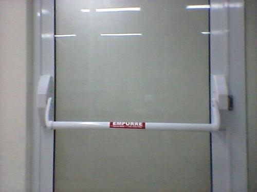 Imagem 1 de 7 de Barra Anti Panico Trava Antipanico Comfechadura(certificada)
