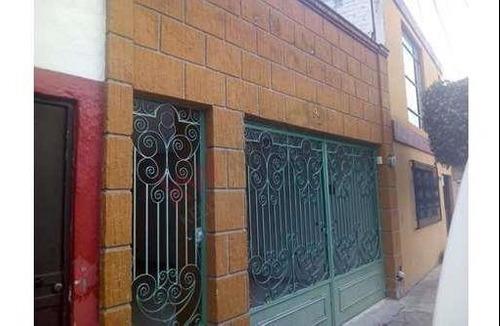 Casa De 1 Nivel En Venta En Las Hadas, Muy Cercana Al Centro Histórico De Querétaro Urge Vender, Pago De Contado