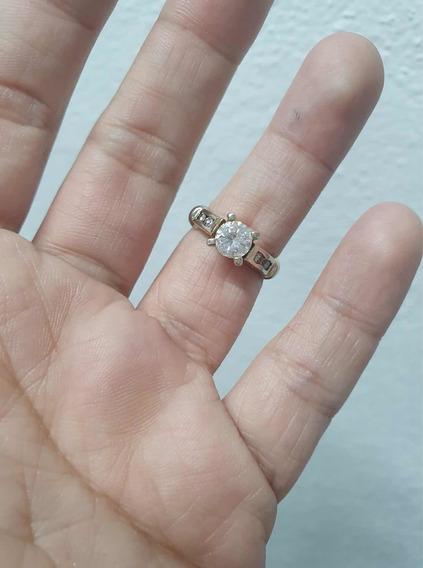 Anillo Solitario Oro De 14 K Con Diamante Blanco De .70 Ct