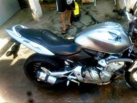 Honda Hornet 600 Carburada