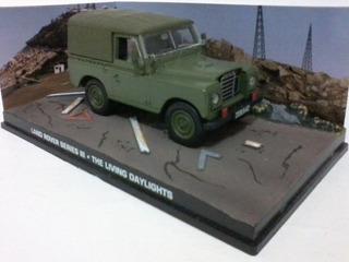 Miniatura Land Rover Series Lll 007 James Bond E 44 Ixo 1/43