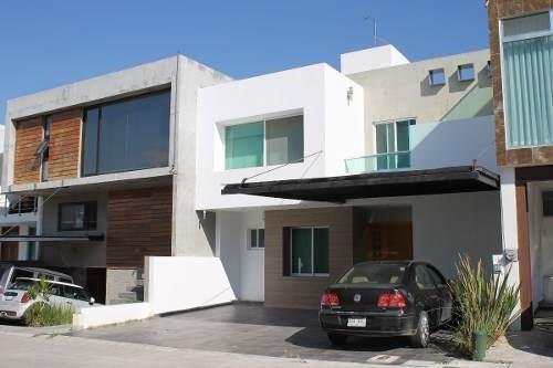 Amplia Casa Amueblada En Renta En Exclusivo Coto En Milenio Iii Querétaro